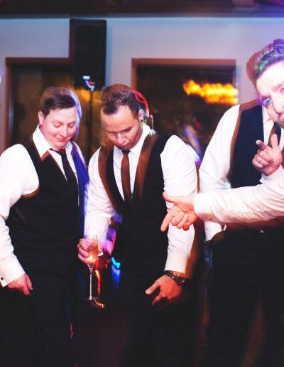 groomsmen+dancing